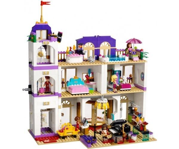 lego friends 41101 grand hotel w heartlake klocki lego d. Black Bedroom Furniture Sets. Home Design Ideas